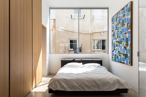 בפנים. עיצוב נקי לדירה קטנה (צילום: BELLER)