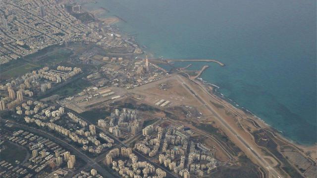 צילום אווירי של שדה דב  (צילום: איתי בלומנטל )