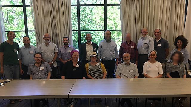 מפגן כוח של הרבנים והרבניות שנחשפו: אין לנו ממה לפחד ()