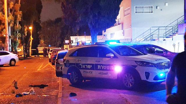 זירת הירי בה נהרג נער בקריית חיים (צילום: גיל נחושתן)