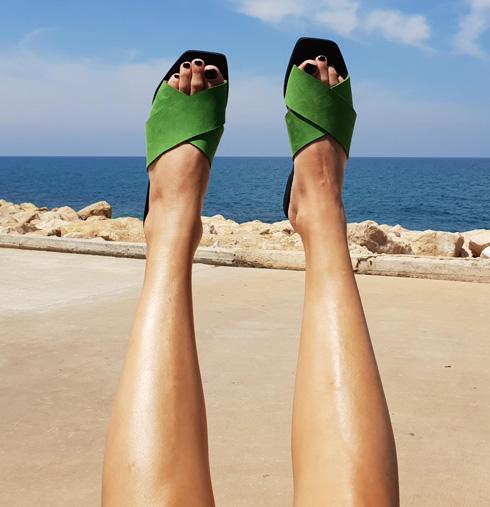 אלן רובין. 20 אחוז הנחה על פריטים מקולקציית הקיץ של מעצבת הנעליים והתיקים (צילום: אילייה מלניקוב)