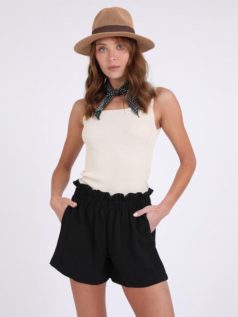 סטייל ריבר. 30 אחוז הנחה על מגוון חליפות, מכנסיים קצרים, חולצות טי ופריטים נוספים (צילום: רותם ברק)