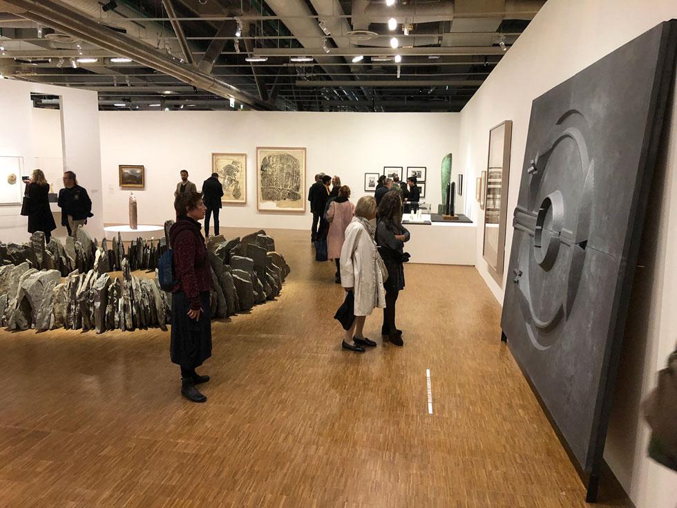 בין היתר מוצגות כאן יצירות של פיקאסו, פול קליי, רוברט סמיתסון וריצ'רד לונג (צילום: ורד אליעזרי גנשרוא)