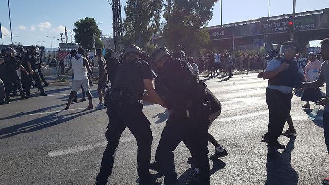 Ethiopian demonstration in Kiryat Ata (Photo: Hassan Shaalan)