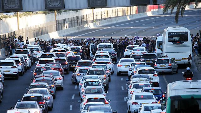 Блокированная трасса Аялон в Тель-Авиве. Фото: Ярив Кац (Photo: Yariv Katz)