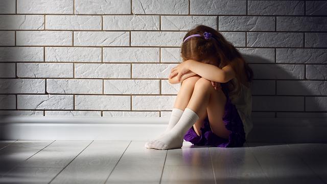 אלימות נגד ילדים בגן (צילום: shutterstock)