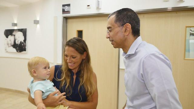 חן וגני עם פרופ' מזעקי, המחלקה להיריון בסיכון בבית החולים שיבא תל השומר ()