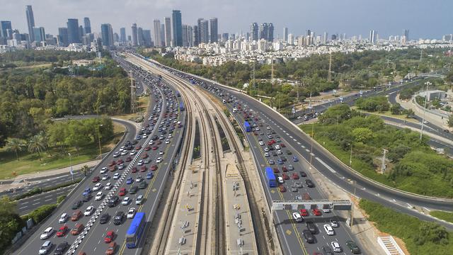 נתיבי איילון תחבורה ציבורית ()