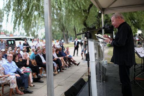ליבסקינד נושא דברים בטקס הפתיחה. סגירת מעגל לאדריכל יליד פולין, שרבים מבני משפחתו נרצחו בשואה (צילום: Jakub Wlodek)