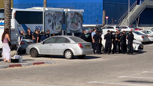 Полиция у дорожной развязки Полег. Фото: Рои Рубинштейн