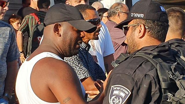 עימותים בין המשטרה למפגינים קריית אתא ()