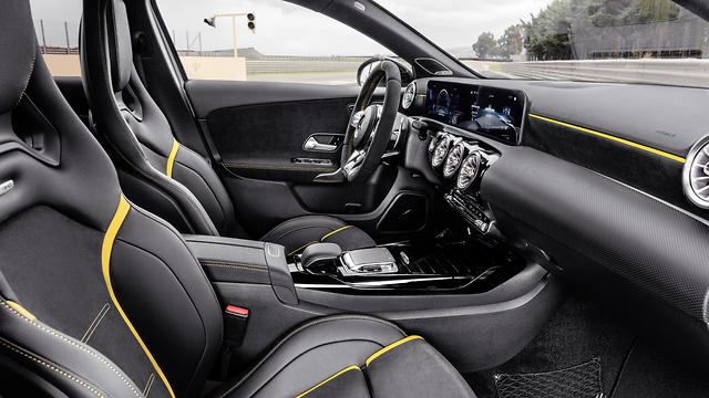 מרצדס A45 AMG ()