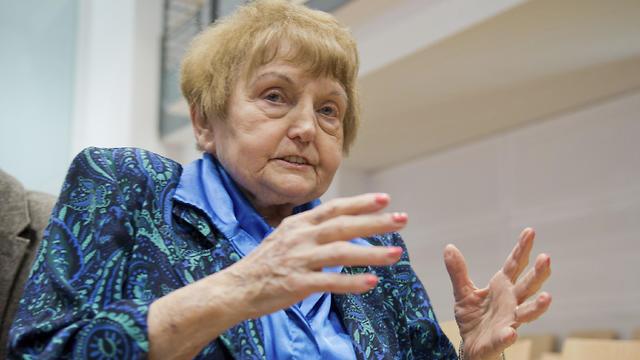 Auschwitz survivor Eva Kor sits in a courtroom in Lueneburg, northern Germany