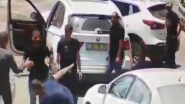 תושב קלנסוה הוכה בקטטה אלימה אזור השרון ()
