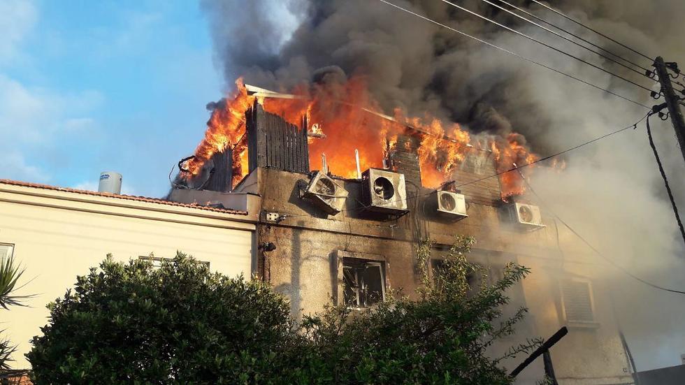 Carmel Mauda's home set on fire (צילום: דוברות כבאות והצלה מחוז מרכז)
