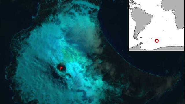 אגם לבה ב הר הגעש מייקל ב אי סונדרס (צילום: British Antarctic Survey)