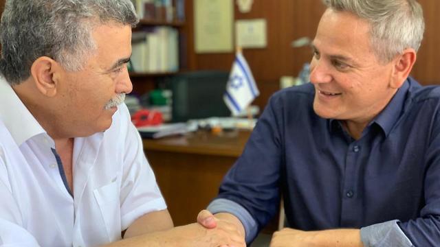 יו״ר מפלגת העבודה ח״כ עמיר פרץ נפגש עם יו״ר מרצ ניצן הורוביץ ()