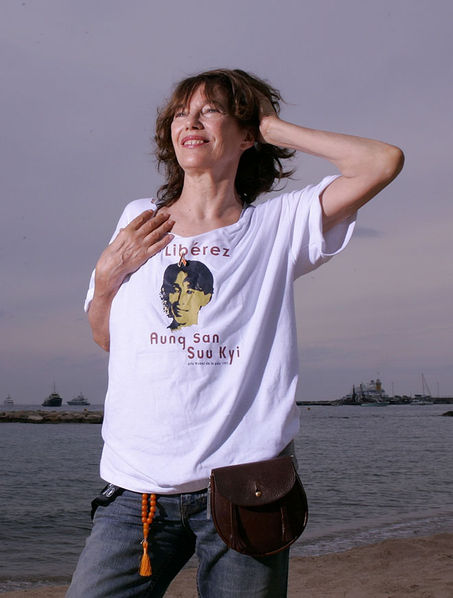 ג'ינס וטי שירט גם ב-2008 (צילום: AP)