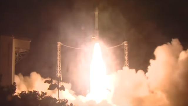 הצרפתים חושדים שישראל או אירן עומדים מאחורי נפילת הלווין הצרפתי ששוגר עבור איחוד האמירויות 935757819711268640360no