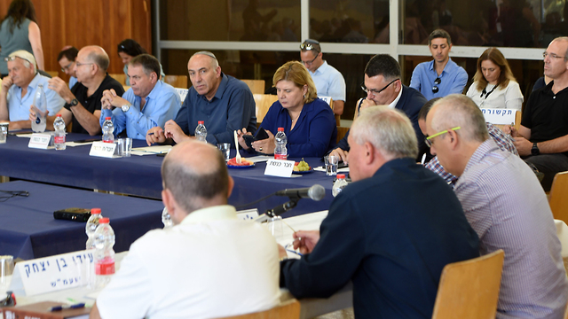 Foreign Affairs and Defense Committee holds session near the Gaza border (Photo: Haim Horenstein)