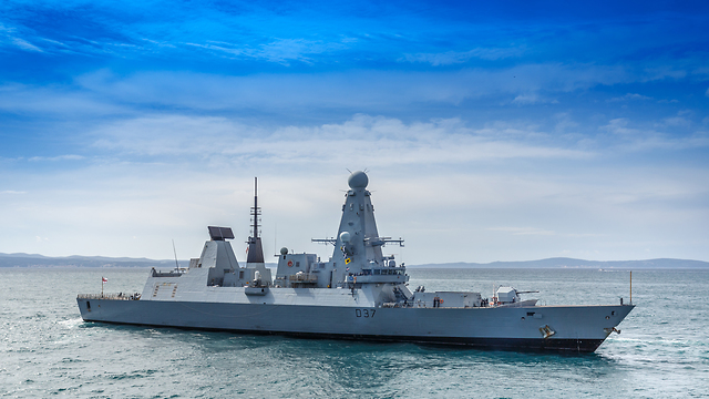 HMS Duncan heads to the Gulf (Photo: Shutterstock)