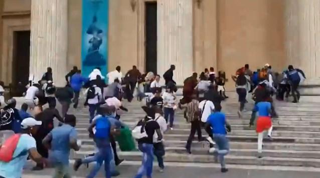 Штурм Пантеона. Кадр видео