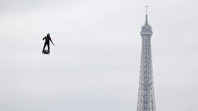 יום הבסטיליה צרפת פריז (צילום: רויטרס)