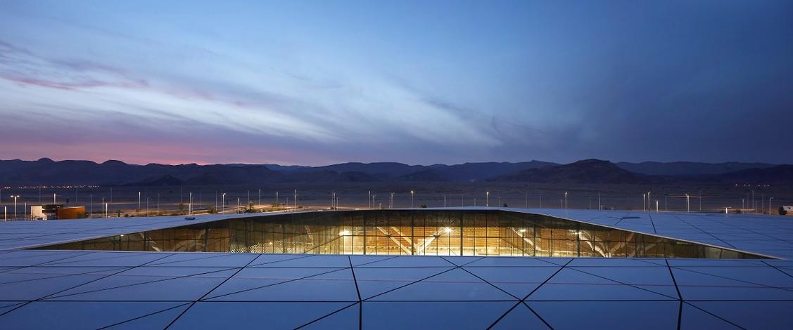 תהיתם פעם איך בונים ומעצבים נמל תעופה? (צילום: Hufton+Crow)