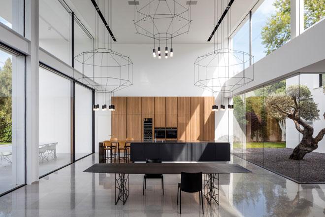 ריצוף באבן ''גריי קלאסיקו'', בווילה בתכנון פיצו קדם אדריכלים. ''אבסולוטו''