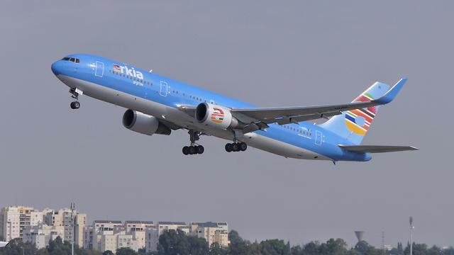 מטוס ארקיע בואינג 767 (צילום: דני שדה)