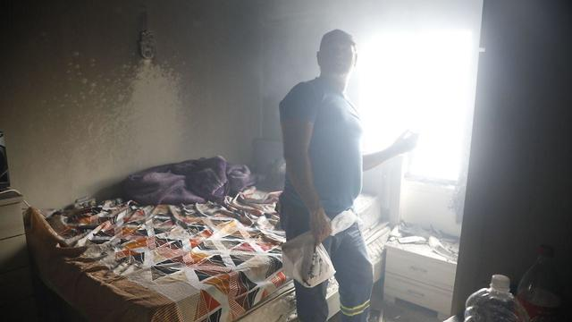 A home in the Ramat Pinkas neighborhood of Or Yehuda affected by the fire (Photo: Shaul Golan)