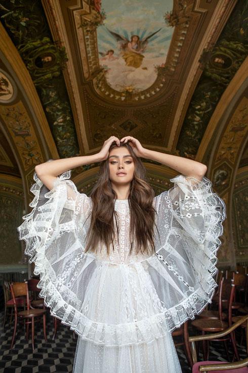 שמלת כלה של מרדכי אברהם ביריד החתונות של My Day (צילום: הילה שייר)