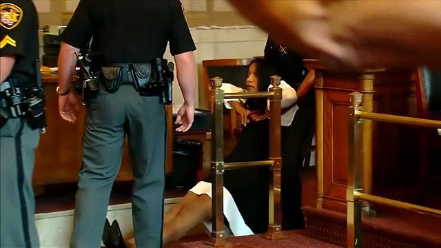 שופטת לשעברטרייסי האנטר נשלחת לכלא (צילום: רויטרס)