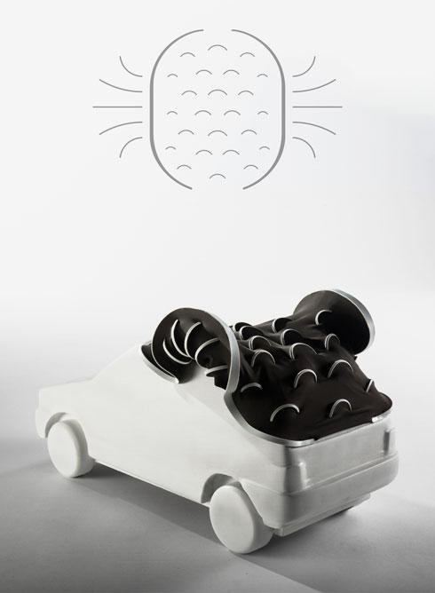 יישום לדוגמה: במכונית צעצוע. פישביין הדגים גם תיק קלאץ' ומצע לגידולים הידרופוניים (צילום: עודד אנטמן)