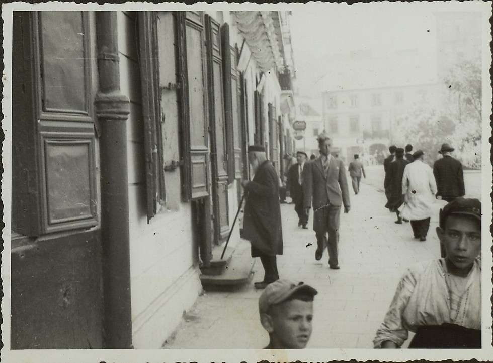 Jewish life in Krakow (Photo: National Library)