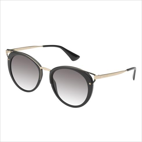 אירוקה. בתמונה: משקפי שמש של פראדה ב-999 שקל במקום 1,999 שקל (צילום: ערן תורגמן)