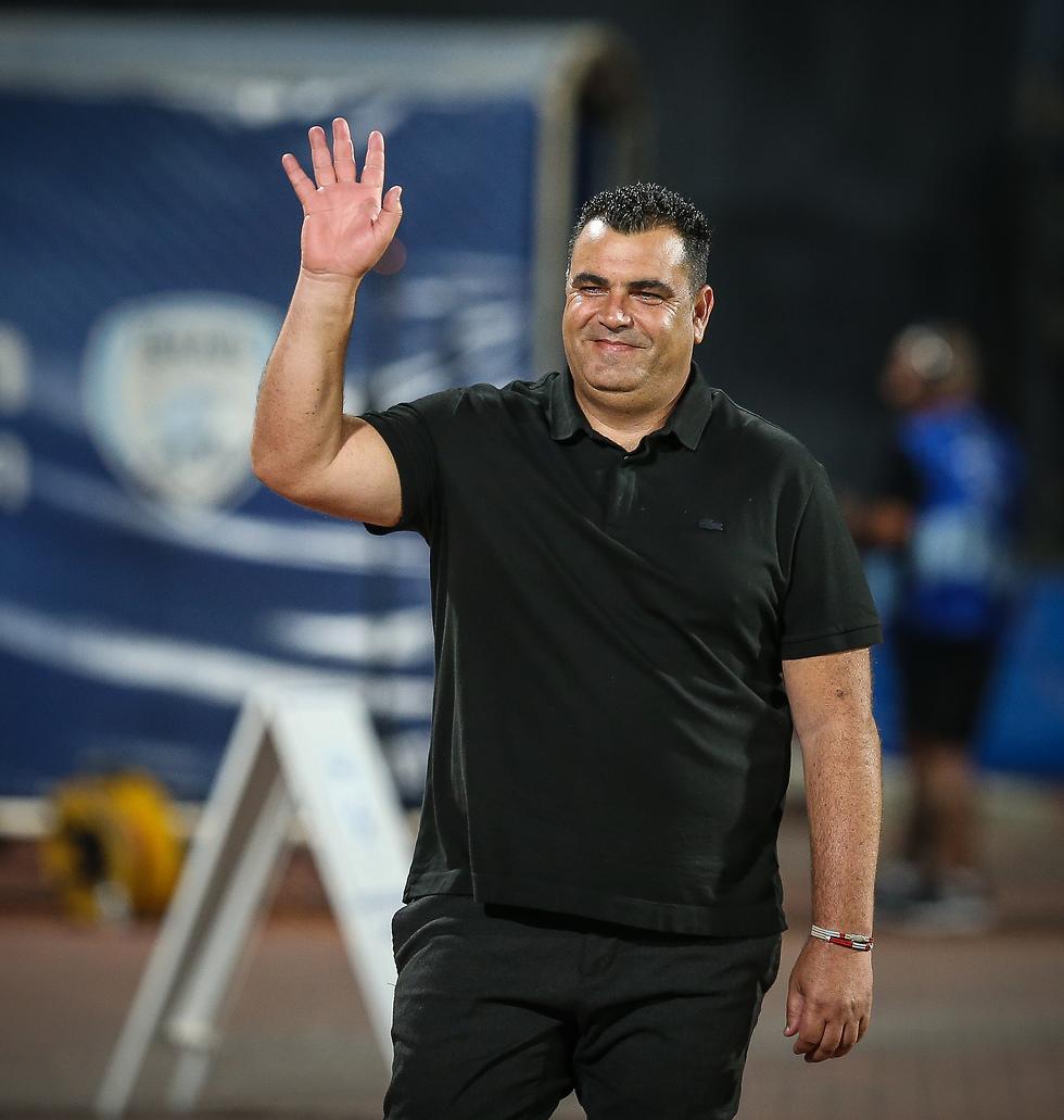 מאמן הפועל רעננה מנחם קורצקי (צילום: עוז מועלם)