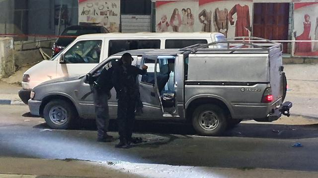 ירי לעבר רכב בכניסה לישוב לקיה (צילום: חיים הורנשטיין)