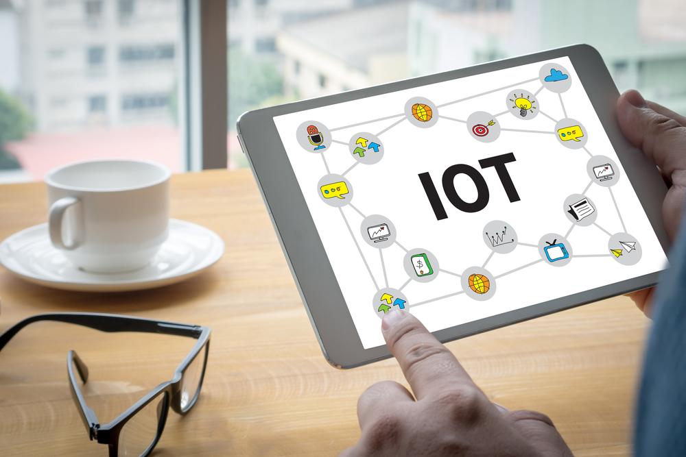 Интернет вещей - управлять всем с одного устройства. Фото: shutterstock