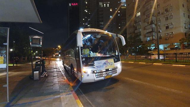 תחבורה ציבורית בסופי השבוע ברמת גן (צילום: איתי בלומנטל)