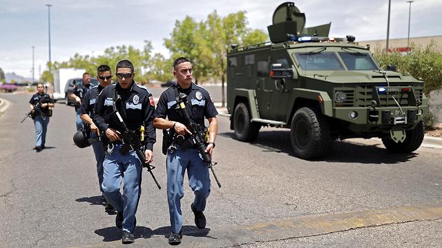 תיעוד פינוי מ אירוע ירי ב קניון Cielos Vista ב טקסס ארה