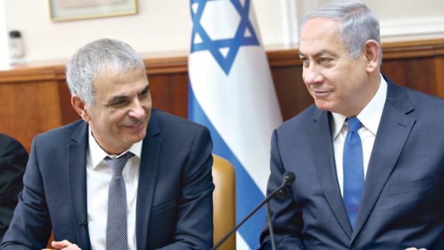 Prime Minister Benjanim Netanyahu and Finance Minister Moshe Kahlon (Photo: Alex Kolomoisky)