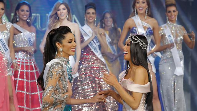 מלכת היופי  מיס ונצואלה  תאליה אולווינו  (צילום: AP)