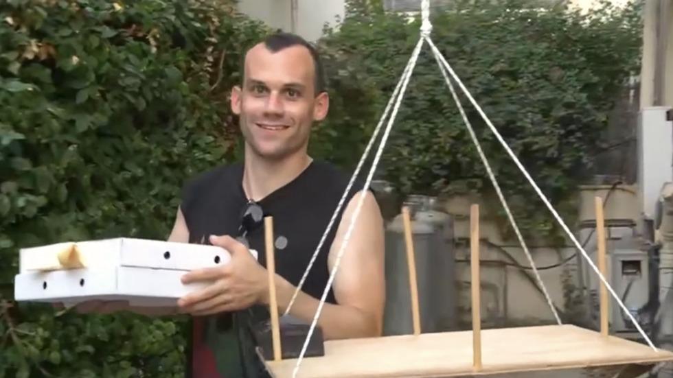פיצה ממנוף (צילום: מתוך הסרטון)