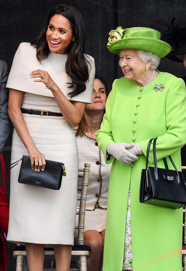 המלכה אליזבת, מייגן מרקל וסמנת'ה כהן (צילום: Gettyimages)