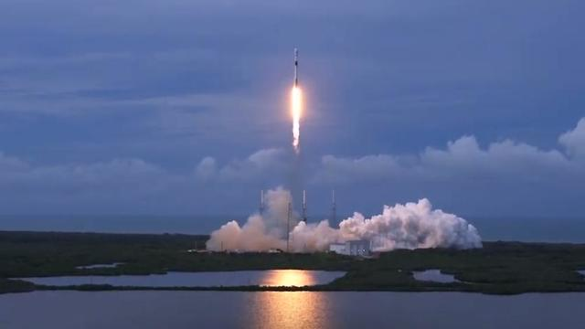 The Falcon 9 blasts off from Florida (Photo: SpaceX)