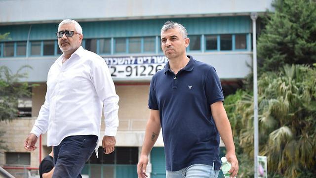 סאמר סלימאן, תושב מזרח ירושלים שהמשטרה השתילה נשק בביתו במסגרת צילומי הסדרה, מגיש תלונה במח
