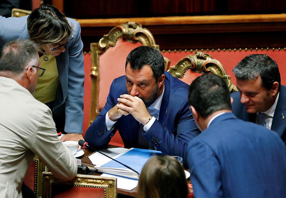 מתיאו סלביני שר הפנים של איטליה (צילום: רויטרס)
