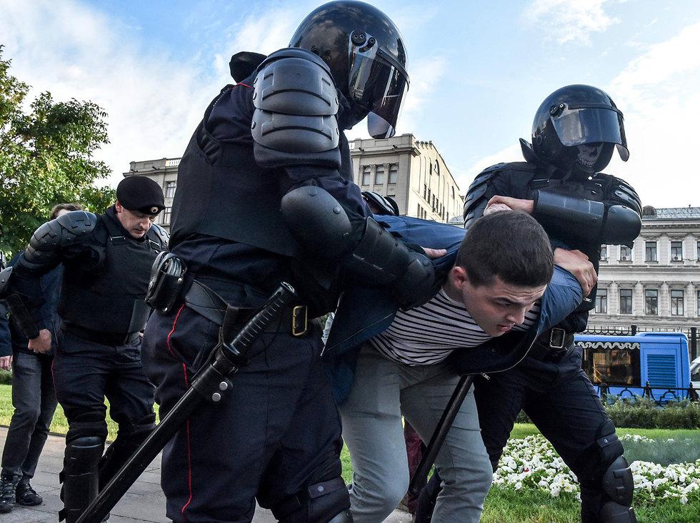 מחאה מחאת ה אופוזיציה ב רוסיה מפגינים הפגנה מוסקבה (צילום: AFP)