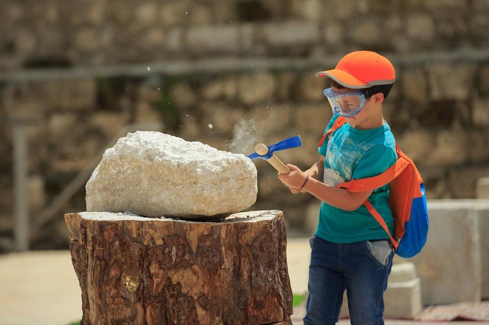 איך סיתתו אבנים? (צילום: אליהו ינאי)